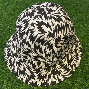 reversible vans bucket hat